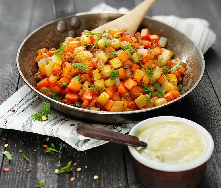 Chilistekt vegetarisk pytt med kikärtscrème