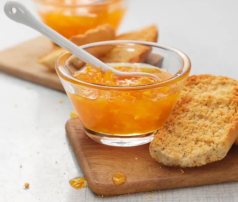 Apelsinmarmelad med lime eller citron