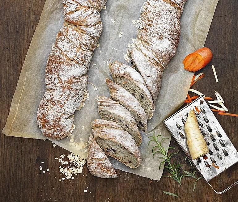 Morots- och palsternacksbröd med oliver