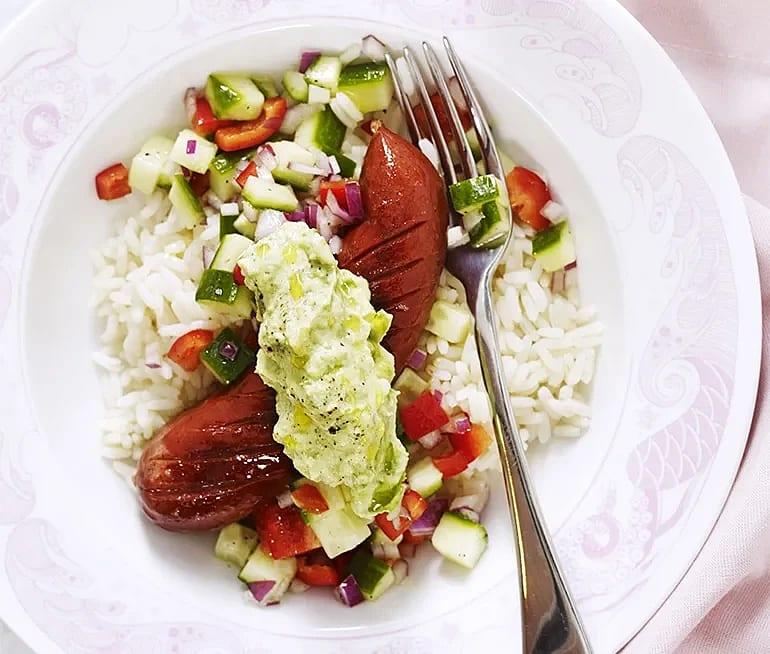 Sremska med avokadoröra och salsa