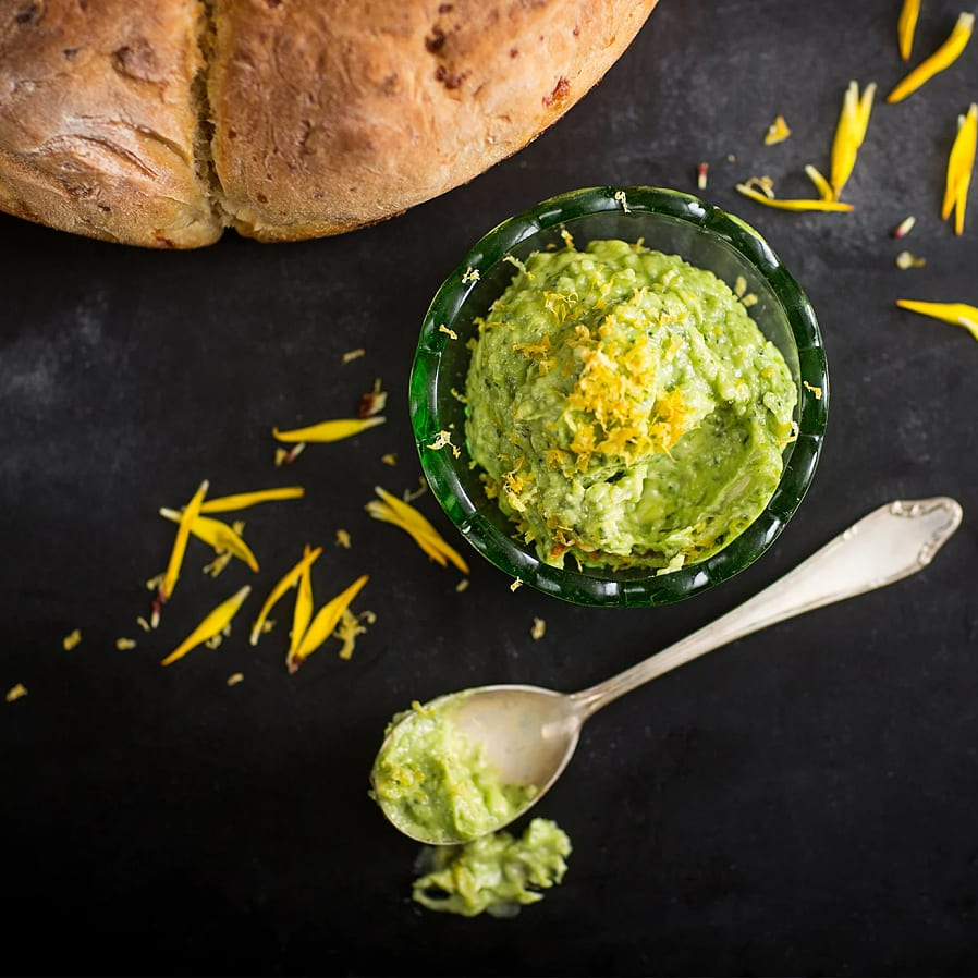 Sommargrönt smör med Västerbottensost
