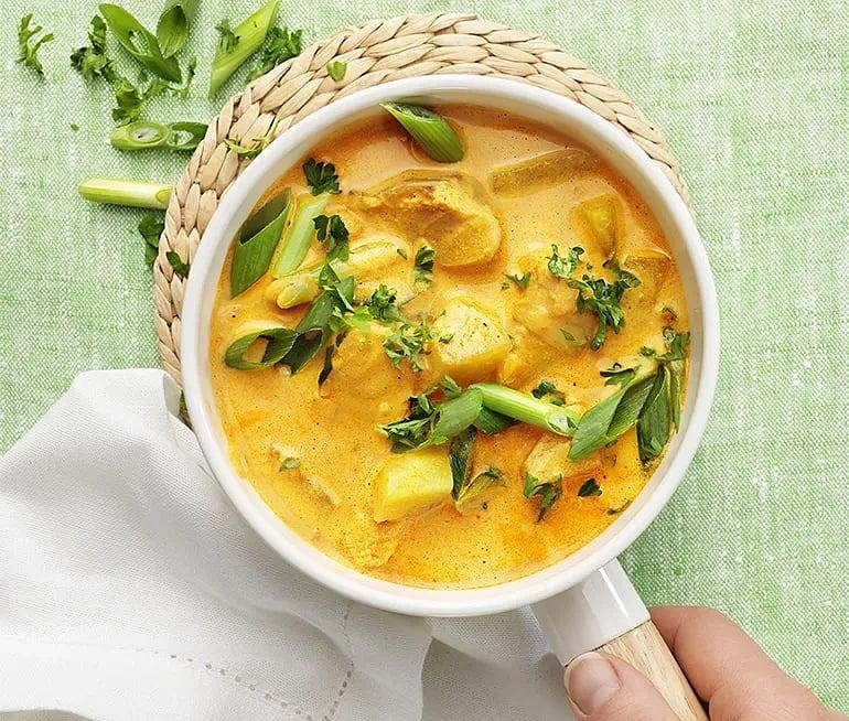 Torskpanna med curry och kålrabbi