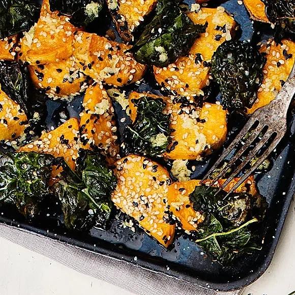 Rostad sötpotatis och svartkål med ingefära