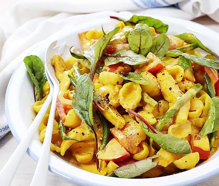 Krämig pasta med kyckling och saffran
