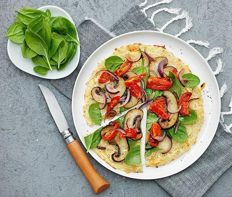 Pizza på blomkålsbotten med portabello