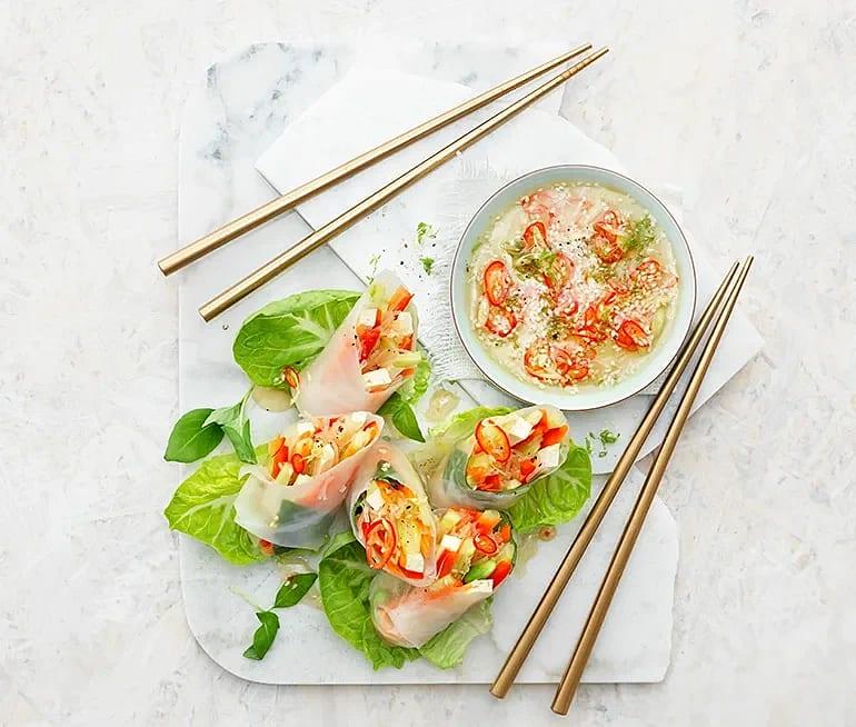 Färska vårrullar med tofu och thaibasilika