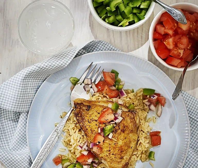 Kyckling med grönsaker och limedressing