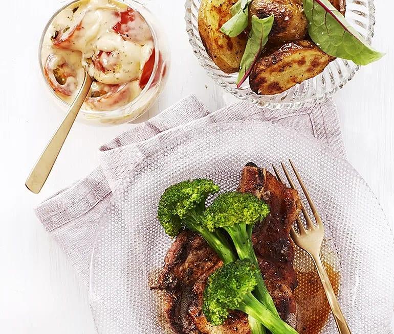 Stekt kotlett med choronsås och rostad potatis