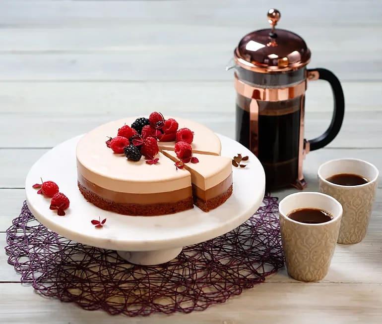 Kaffe- och chokladtårta i tre lager (glutenfri)