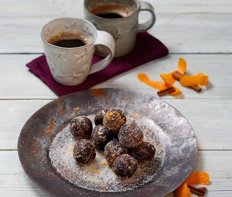 Katalansk chokladtryffel med apelsin och kanel