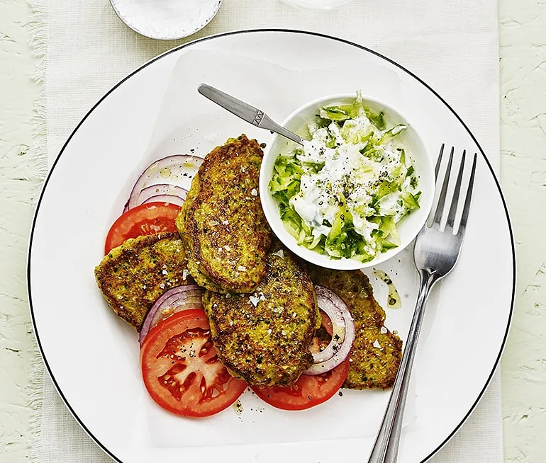 Broccolifritters med tzatziki