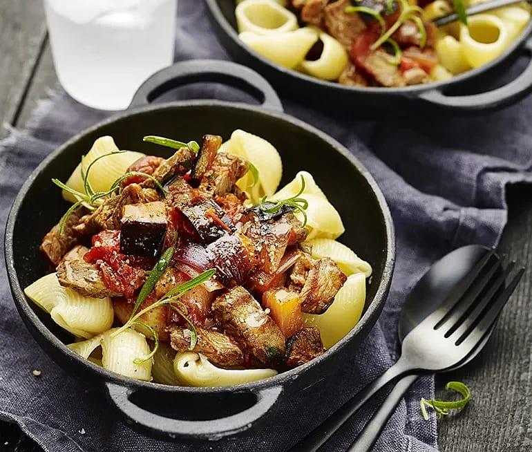Lumaconi med ragu på aubergine och rosmarin