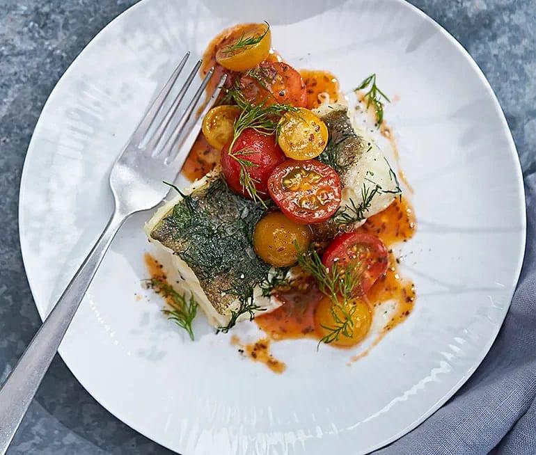 Torsk i folie med sötsyrlig tomatsallad