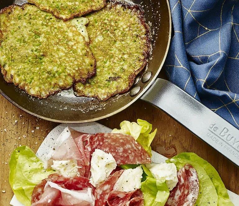 Ärt- och basilikaplättar med mozzarella