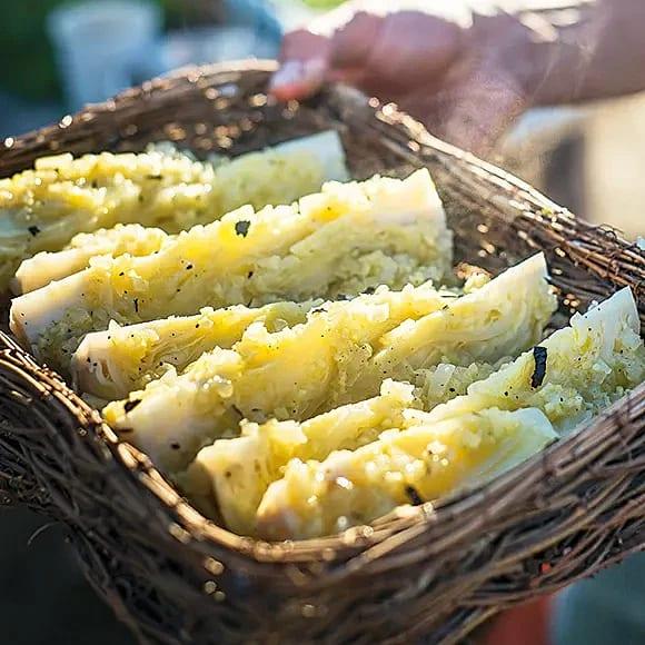 Grillad spetskål med citron och ingefära