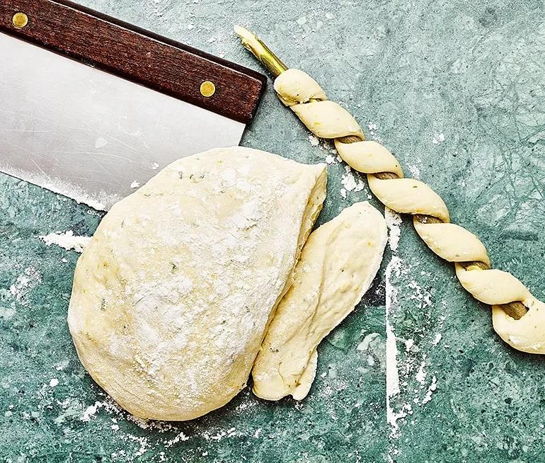 Pinnbröd med citron och timjan