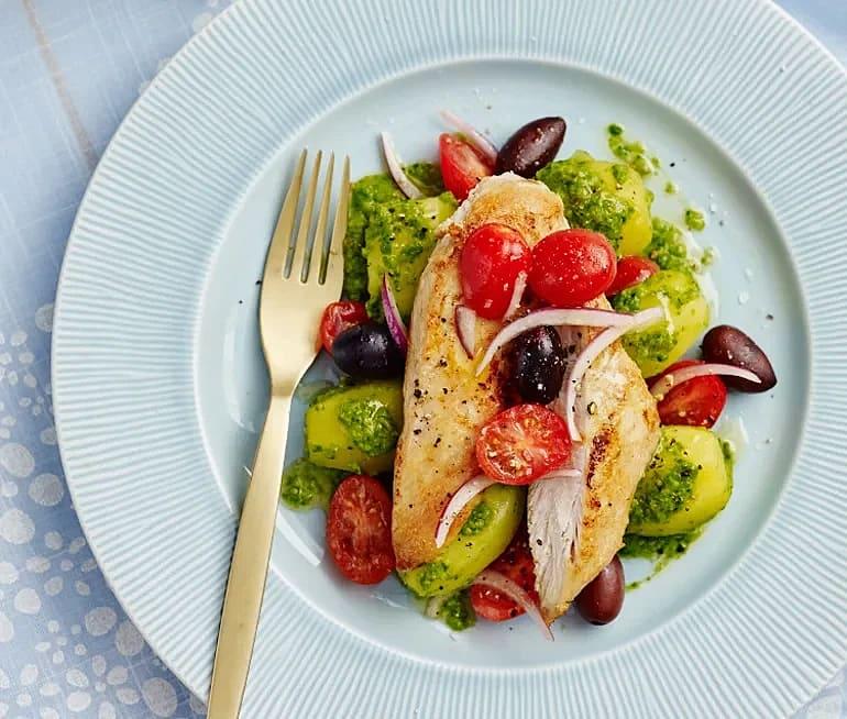 Kyckling med salsa verde och oliver