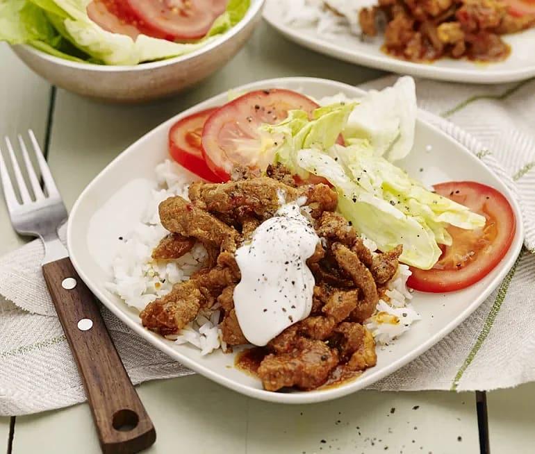 Kebab med gräddfil och tomat