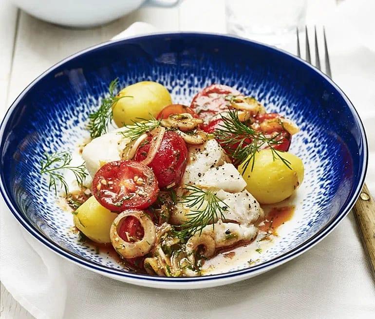 Ugnsbakad torsk med sötsyrlig tomatsallad
