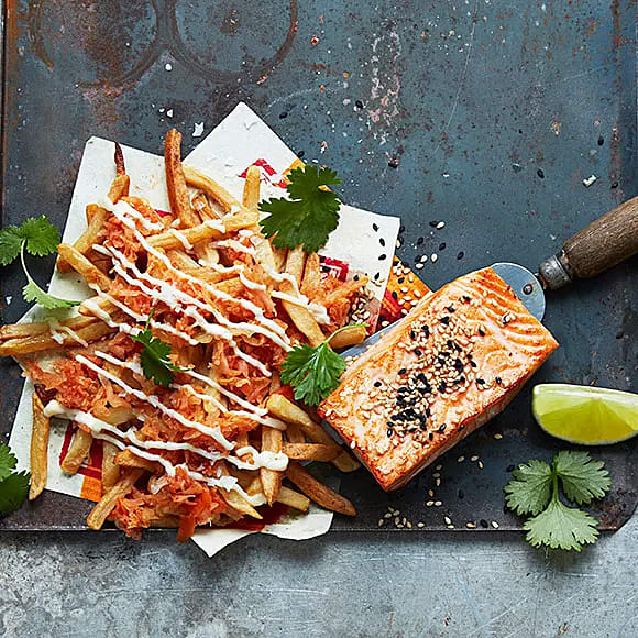 Fries med kimchi och lax