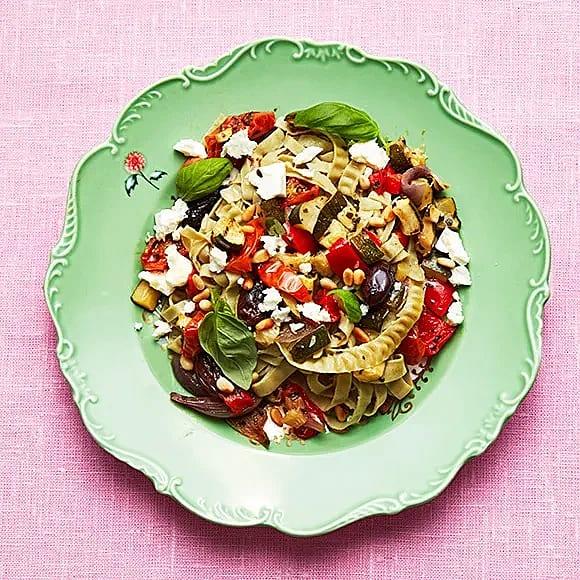 Green garden-pasta