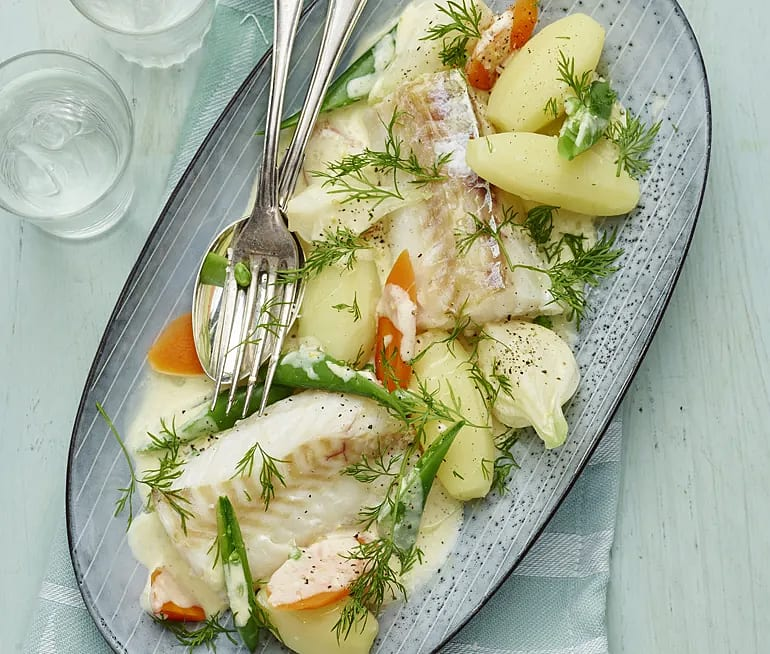 Ugnsbakad torsk med grönsaker i citronsås