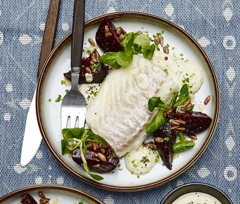 Ugnsbakad torsk med rödbetor och brynt smörkräm