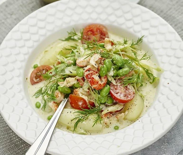 Kräftgryta med pesto och tomat