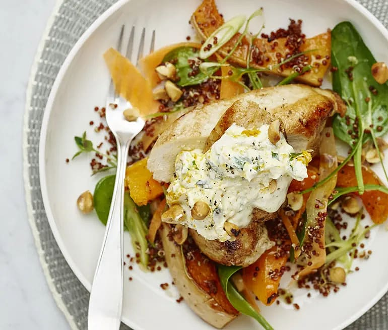 Kyckling med rostad pumpa och hasselnötter