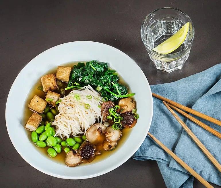 Ramen med tofu och shiitake