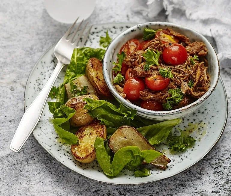 Pulled pork med tomat och rostad jordärtskocka