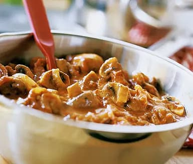 Pasta med svamp- och lökröra