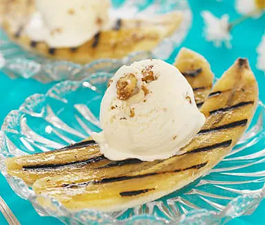 Grillade bananer med glass