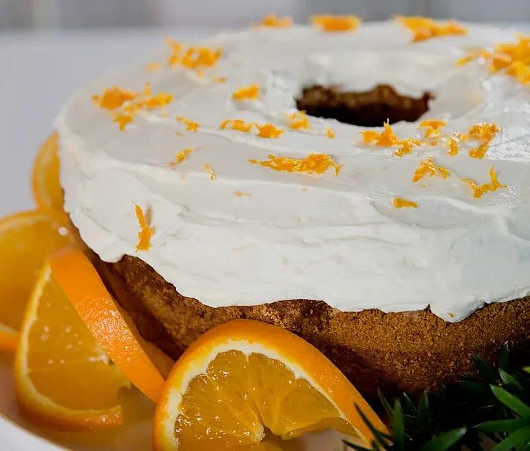 Mjuk pepparkaka med apelsin och glasyr