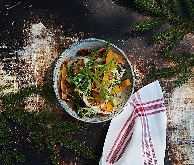 Broccoli- och quinoasallad