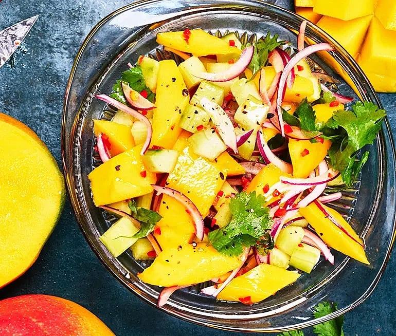 Mangosalsa med koriander och chili