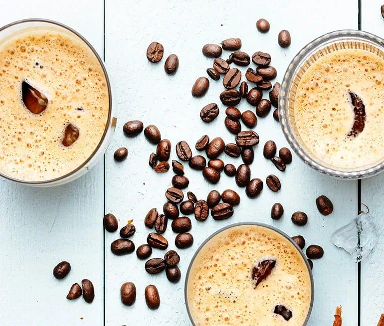 Cold brew kaffe latte