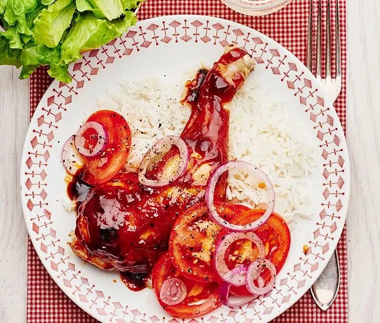 Kycklingklubba BBQ med tomatsallad