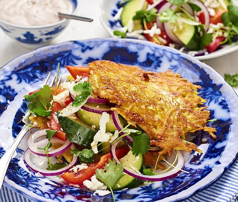 Currykryddade rårakor med halloumisallad