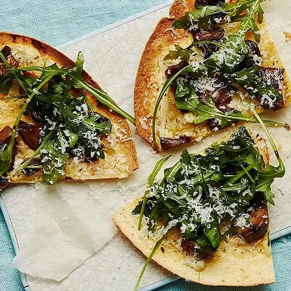 Snabb svamppizza på tortillabröd