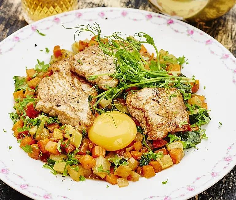 Kalkon med grönsakspytt och äggula