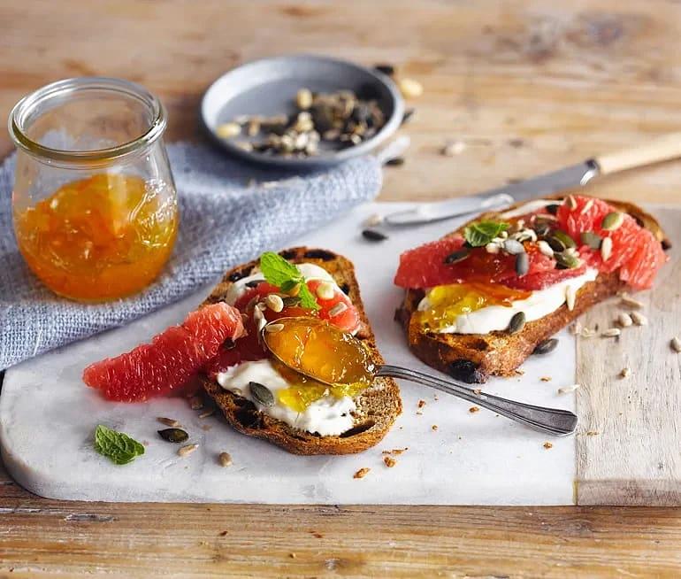 Frukosttoast med grapefrukt