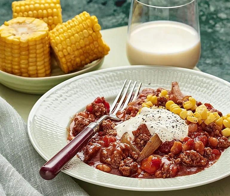 Chili con carne med majskolvar