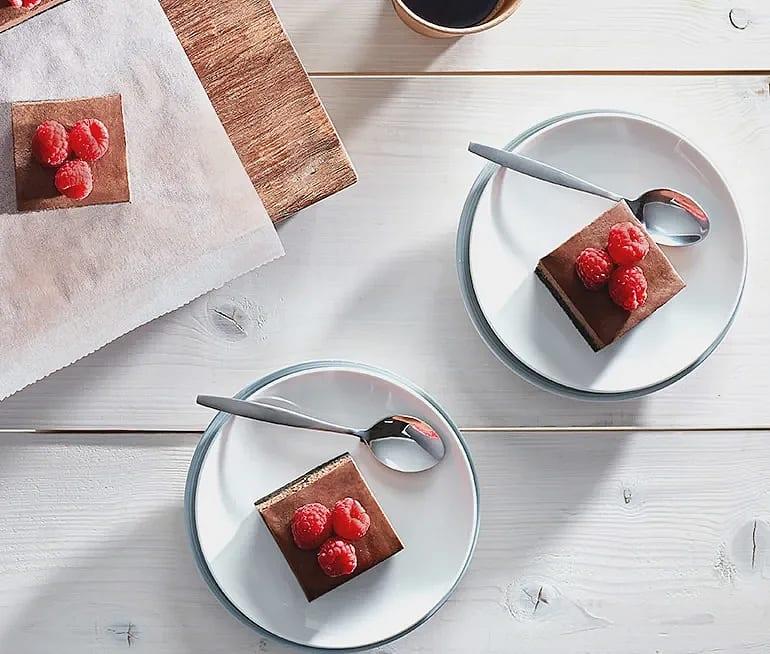 Cheesecakerutor med choklad och hallon