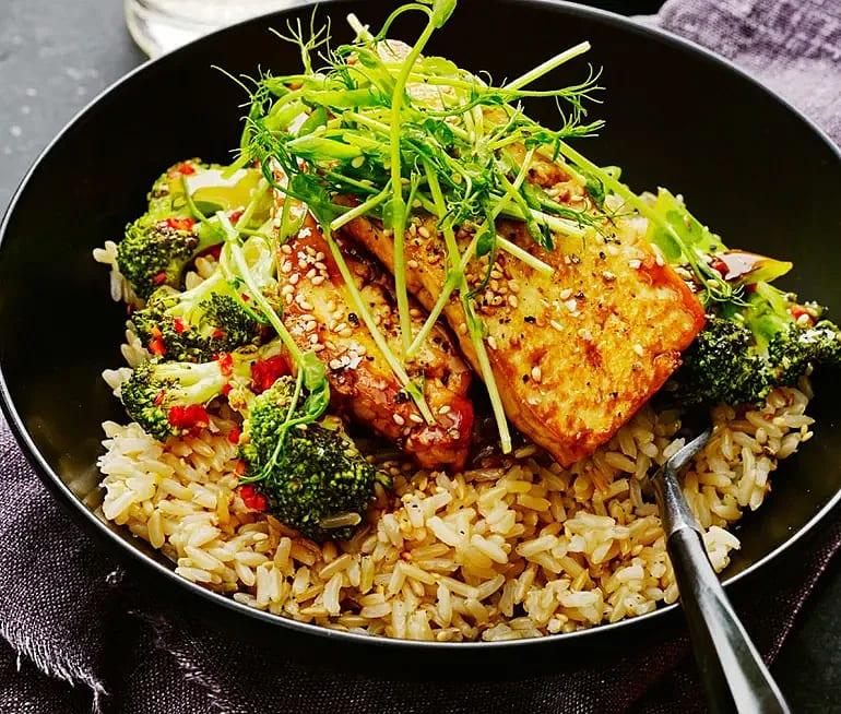 Sojastekt tofu med broccoli och chili