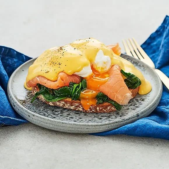 Ägg Florentine- pocherat ägg med kallrökt lax och spenat