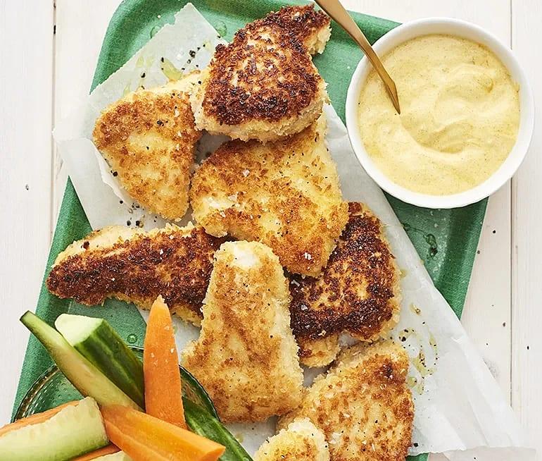Crispy chicken nuggets med dipp