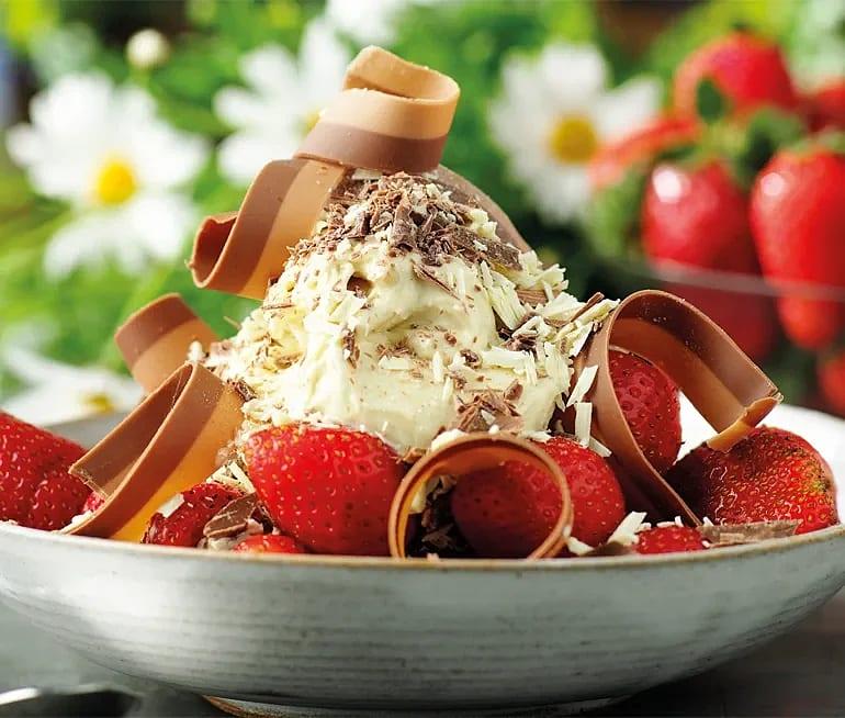 Somrig dessert med Dubbelnougat och Japp