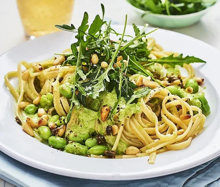 Krämig grönärtspasta med kaprisfräs