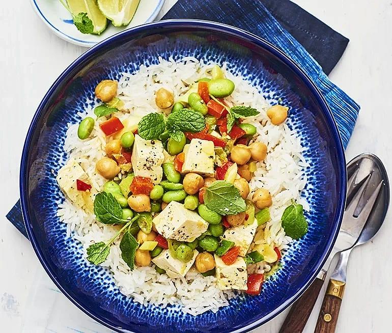 Kikärtscurry med tofu och mynta